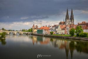 regensburg-St-Peter-Cathedral-donau-old-stone-bridge-landscape
