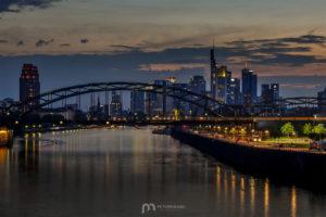 skyline-frankfurt-am-main-silhouette-skyscrapers-night-2