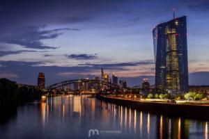 skyline-frankfurt-am-main-silhouette-skyscrapers-night-4