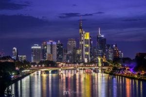 skyline-frankfurt-am-main-silhouette-skyscrapers-night-6