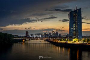 skyline-frankfurt-am-main-silhouette-skyscrapers-sunset-4